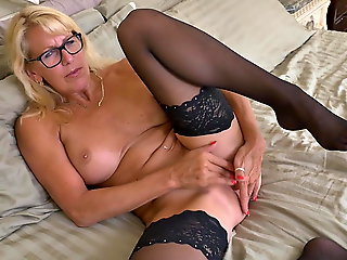 mature, amateur, HOT mature mother with dazzling body
