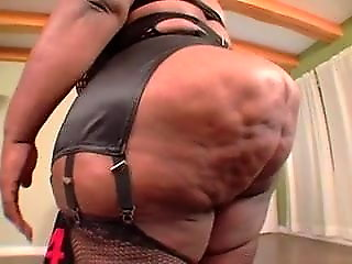 cougar, bbw, Mz. X-Tream VS Cuntre Pipes