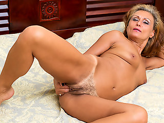 blonde, hairy, Bonita in Mature Loveliness - Anilos